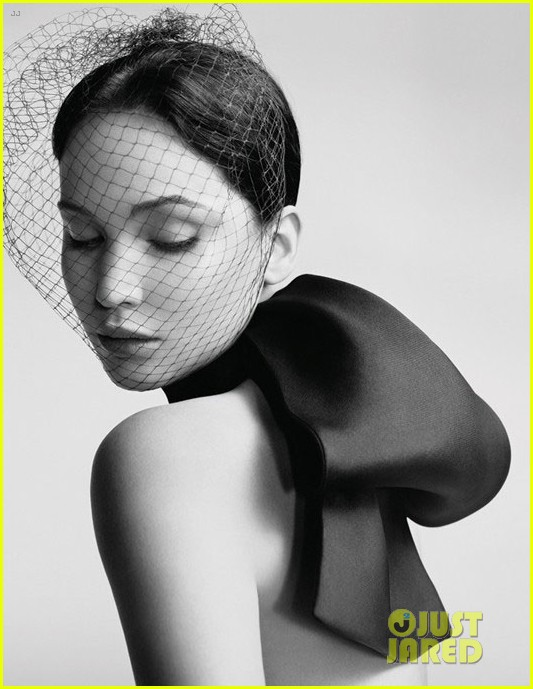 jennifer-lawrence-miss-dior-campaign-photos-revealed-02